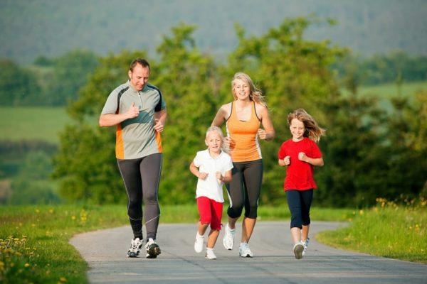 tập thể dục giúp cơ thể khỏe mạnh tránh tỷ lệ bạch cầu mono tăng