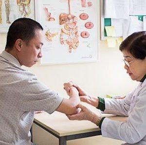 Bác sĩ cơ xương khớp giỏi ở Hà Nội