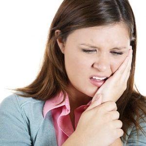 Biểu hiện của bệnh viêm khớp thái dương hàm
