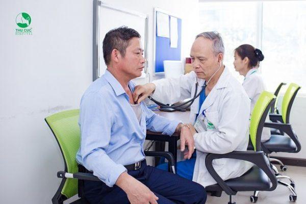 Điều trị viêm phế quản mạn tính tại Thu Cúc