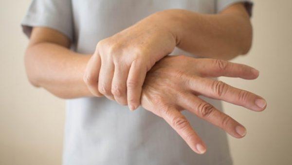 Run tay là một biểu hiện của bệnh cường giáp