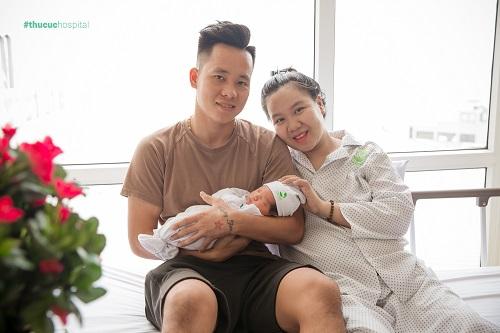 Hệ thống y tế Thu Cúc sẵn sàng đồng hành cùng mọi sản phụ để hành trình làm mẹ của mỗi người phụ nữ trở nên tuyệt vời và hạnh phúc nhất. (Ảnh: Gia đình cầu thủ Lê Thanh Bình)