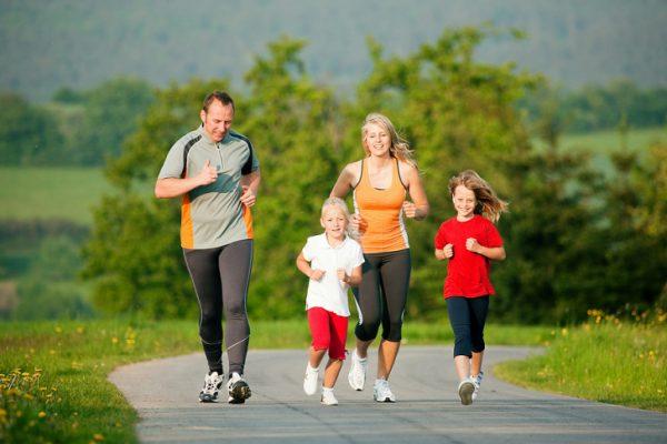 Không tập luyện thể dục thể thao thường xuyên dễ gây nhiều bệnh lý về cơ xương khớp. (ảnh minh họa)