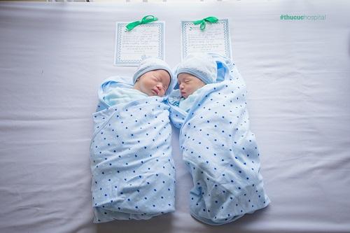 thai đôi sinh lần 3