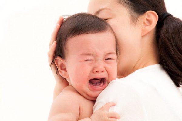Biểu hiện của trẻ sốt mọc răng