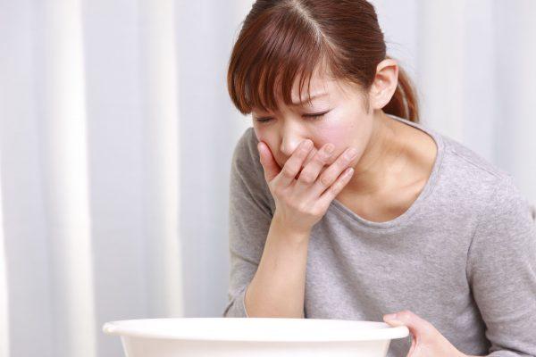 Cảm giác buồn nôn ở cổ họng khi bạn căng thẳng, lo âu quá mức (ảnh minh họa)