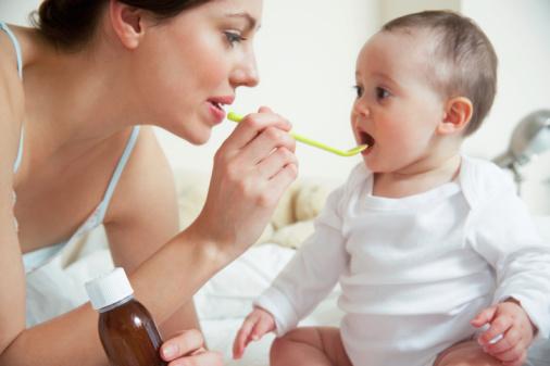 cẩn trọng khi sử dụng thuốc ho cho trẻ