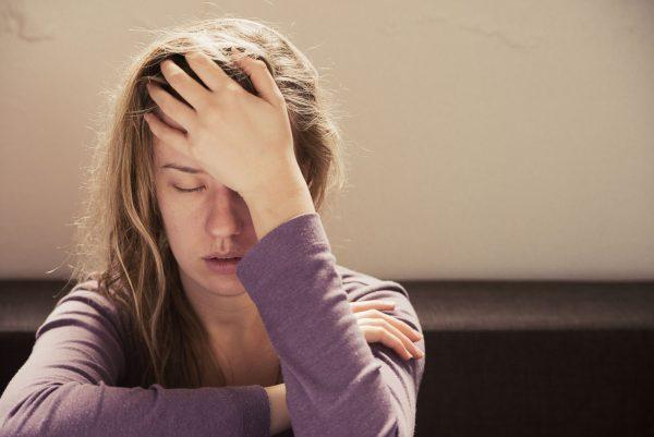 triệu chứng đau đầu kéo dài