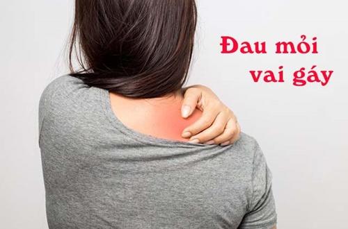 triệu chứng đau mỏi vai gáy