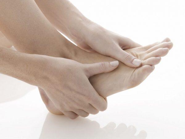 Điều trị đau mu bàn chân
