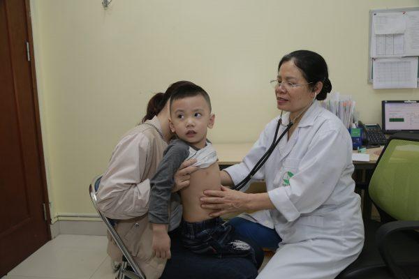 khám và điều trị ho tại Thu Cúc