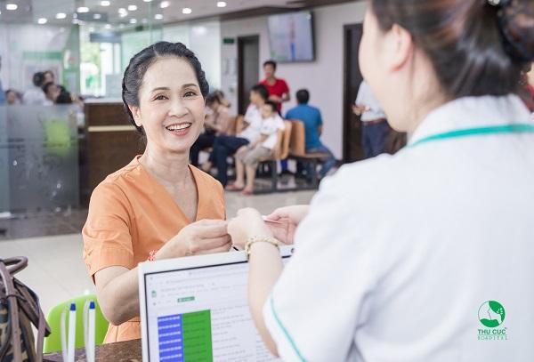 Mục sở thị quá trình NSND Lan Hương TSUT tiêu hóa bằng công nghệ NBI