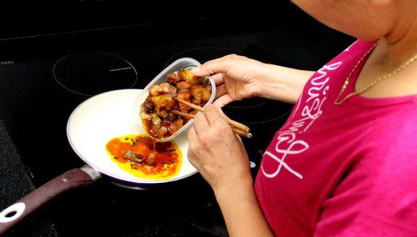 Khi bỏ thức ăn chín trong tủ lạnh ra phải nấu lại vì nếu không đun nấu lại rất dễ gây bệnh chướng bụng, khó tiêu, đi ngoài (ảnh minh họa)