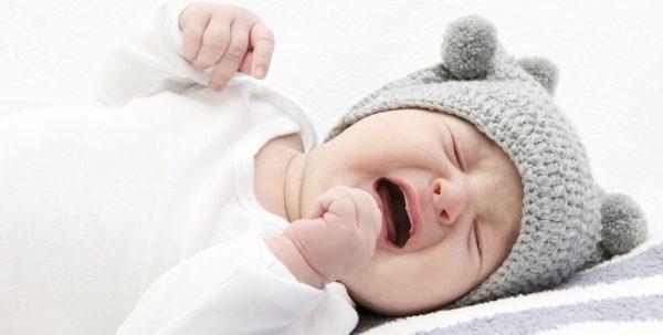 Biểu hiện trẻ bị sốt và hay giật mình