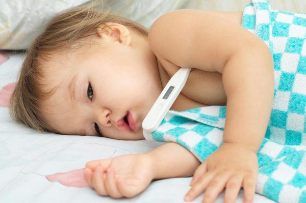 Dấu hiệu của sốt phát ban ở trẻ em