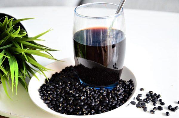 Những lưu ý khi uống nước đậu đen