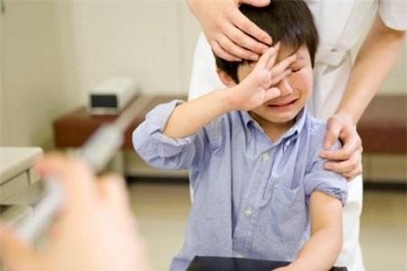 Biểu hiện xoắn tinh hoàn ở trẻ em