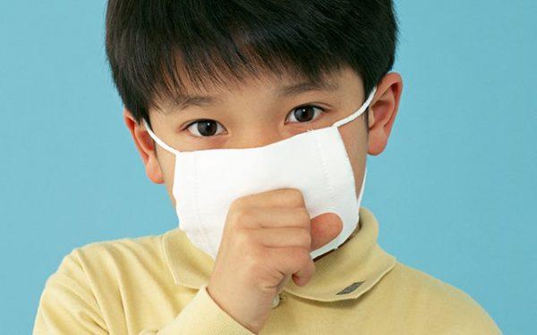 nhận biết dấu hiệu trẻ bị áp xe phổi