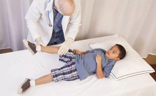 điều trị trật khớp háng bẩm sinh ở trẻ em
