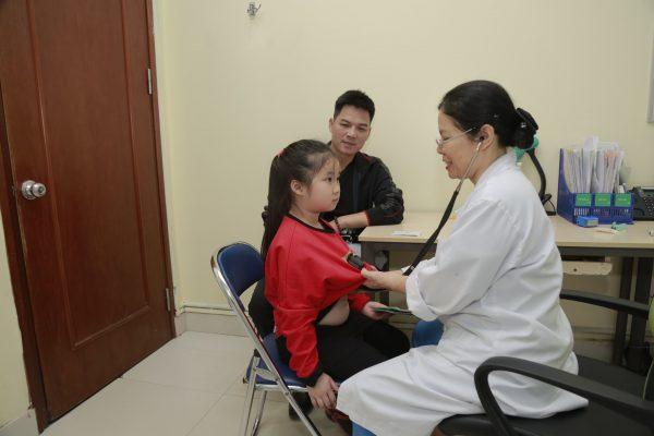 khám và điều trị sốt virus cho trẻ tại Thu Cúc