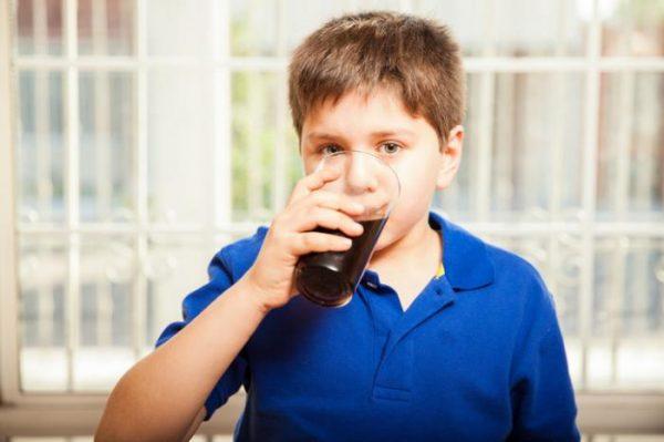mắc bệnh béo phì vì uống nhiều nước ngọt