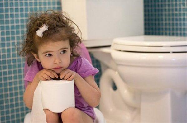 biểu hiện nhiễm trùng tiểu ở trẻ em