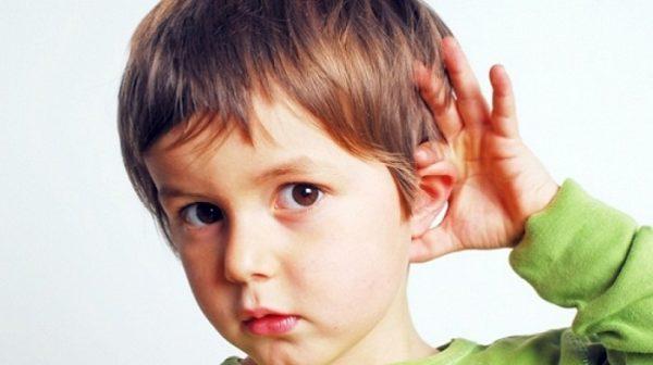 trẻ chậm nói do bệnh lý