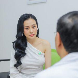Diễn viên Phương Oanh – Khám sức khỏe