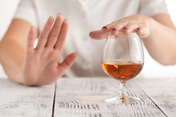 Cách chữa nhức đầu khi say rượu