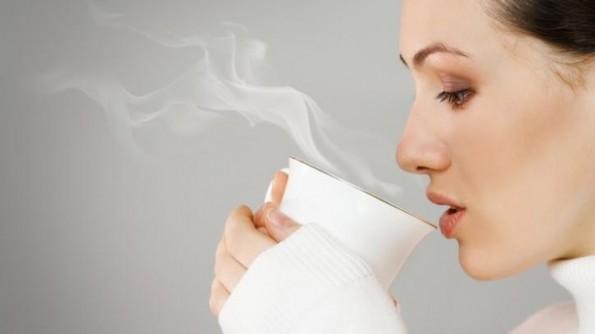 hạ thân nhiệt nên uống nước ấm