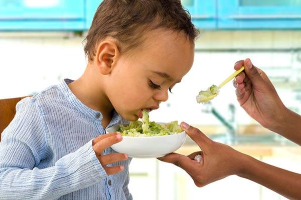 ngộ độc thức ăn ở trẻ em