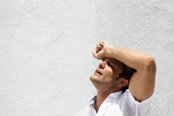 Lý do thời tiết nắng nóng làm tăng nguy cơ sỏi thận