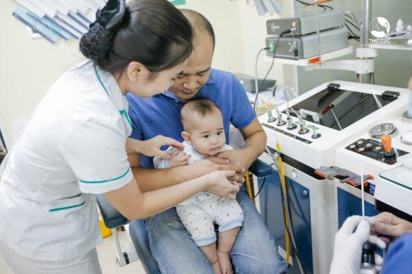 trẻ em bao nhiêu độ được coi là sốt