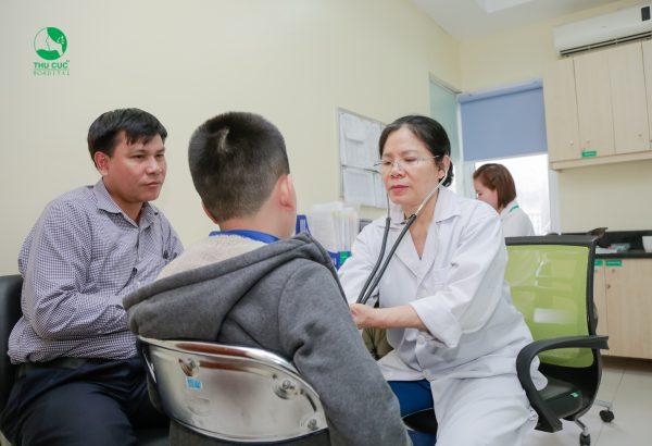 điều trị hạ thân nhiệt ở trẻ em