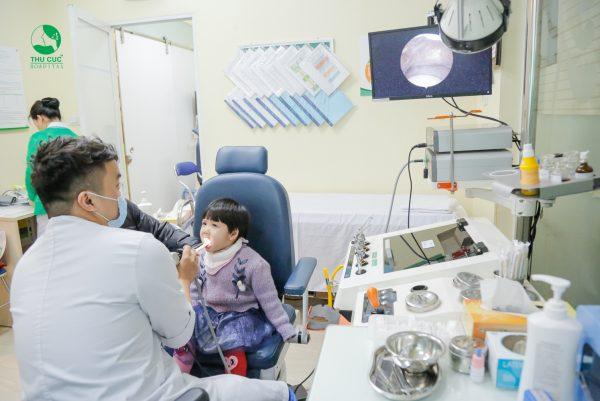 điều trị viêm họng ở trẻ nhỏ