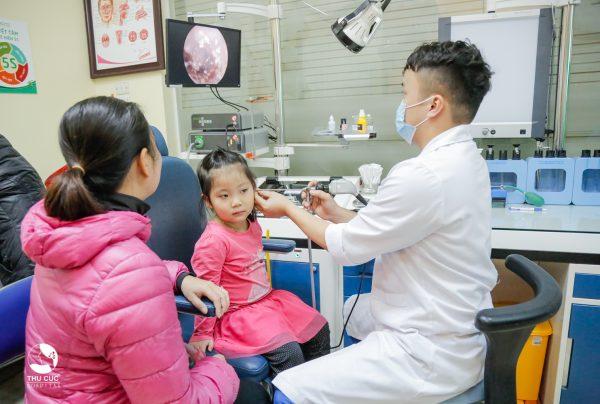 điều trị viêm tai giữa thanh dịch