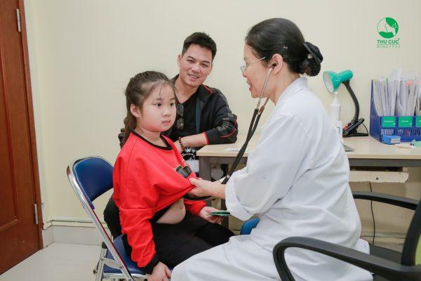 điều trị viêm tiểu phế quản ở trẻ