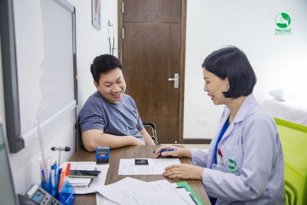 Mọi người nên thăm khám thường xuyên để nắm rõ tình hình sức khoẻ của bản thân