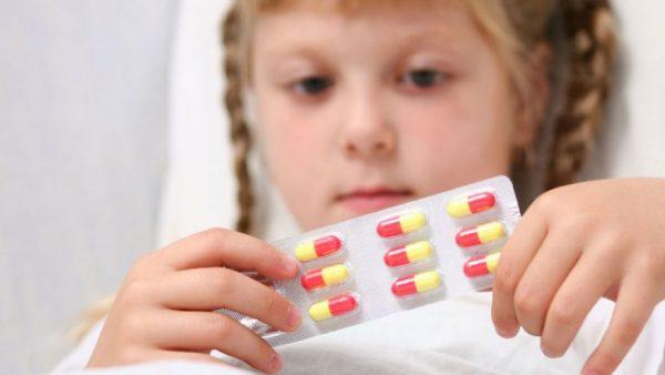 con bị rối loạn tiêu hóa có cần dùng kháng sinh không?
