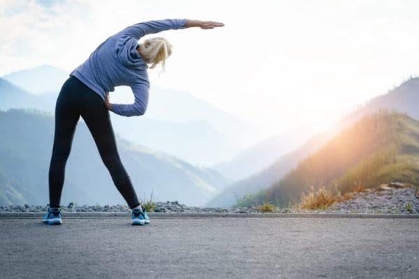 Bạn nên tập thể dục đều đặn để phòng tình trạng đau vai gáy