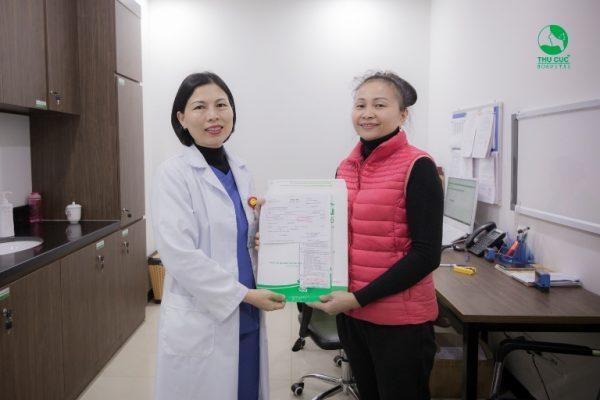 Cô Hằng hài lòng với các dịch vụ chăm sóc sức khỏe tại Thu Cúc
