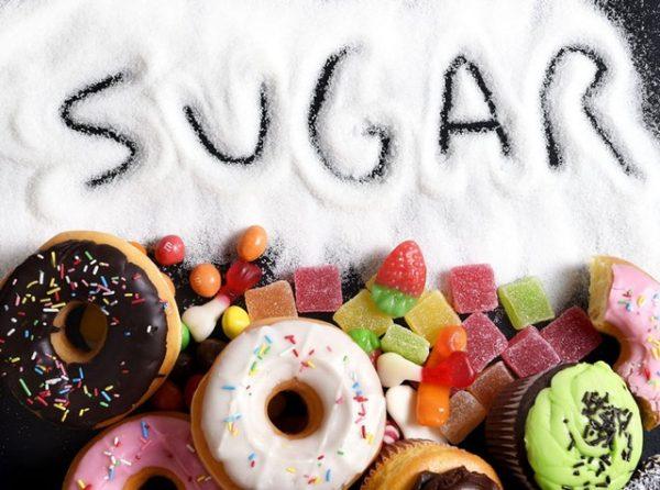 trẻ sơ sinh không nên ăn nhiều đường khi bị tiêu chảy