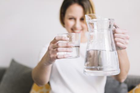 uống đủ nước vào mùa lạnh