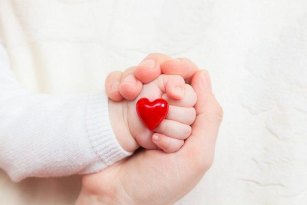 Hiện nay y học phát triển, bệnh tim bẩm sinh ở trẻ em có nhiều phương pháp can thiệp mang lại hiệu quả cao cho trẻ. (ảnh minh họa)
