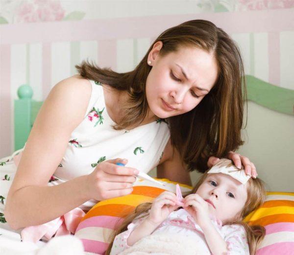 Sốt nhẹ (trán hâm hâm nóng) ở trẻ em