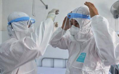 Chuyên gia đầu ngành hội chẩn, hỗ trợ điều trị 2 bệnh nhân COVID-19 phải thở máy