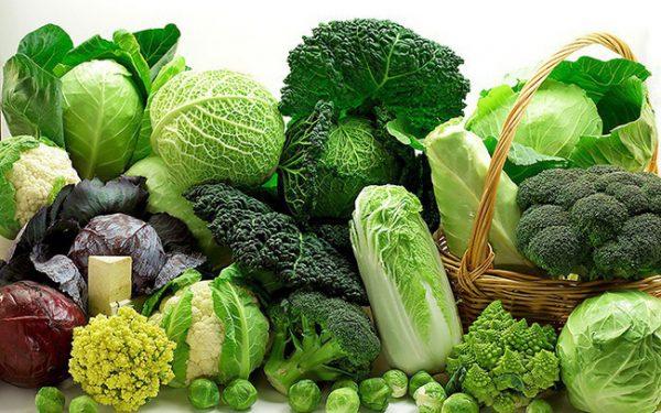 Mẹ bầu bị máu nhiễm mỡ nên ăn nhiều rau xanh để hạn chế lượng cholesterol