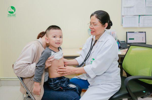 điều trị bí tiểu cho trẻ tại thu cúc
