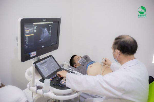 Với gói khám này anh Vinh được trải qua nhiều danh mục khám cần thiết như: xét nghiệm máu, chụp X quang, siêu âm ổ bụng, điện tim,…