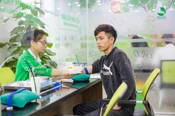 Nhờ khám sức khỏe định kỳ tại Bệnh viện ĐKQT Thu Cúc, anh Sơn đã phát hiện kịp thời dấu hiệu bệnh mỡ máu